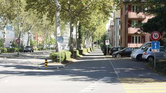 Auf der Lateralstrasse gegenüber des Schulhauses Reitmen soll eine Tempo-30-Zone entstehen.