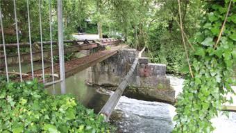 Bei der Wehrschwelle Stampfi ist ein Kleinwasserkraftwerk geplant.