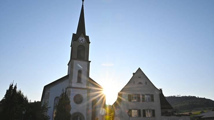 Von aussen nicht sichtbar: Im Turm der katholischen Kirche St. Niklaus ist die Mobilfunkanlage untergebracht.
