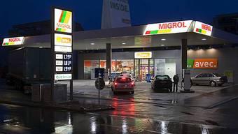 Auch weil sie von den Ladenöffnungszeiten ausgenommen sind, spriessen sie wie Pilze aus dem Boden: Tankstellenshops.