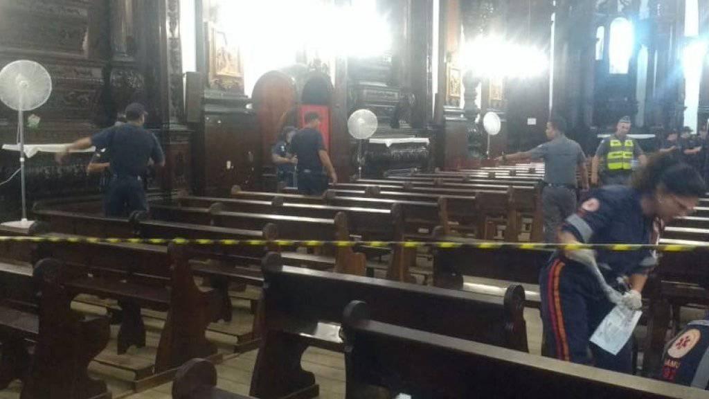 Polizisten am Dienstag nach der Bluttat in der Kirche in der Stadt Campinas nahe São Paulo.