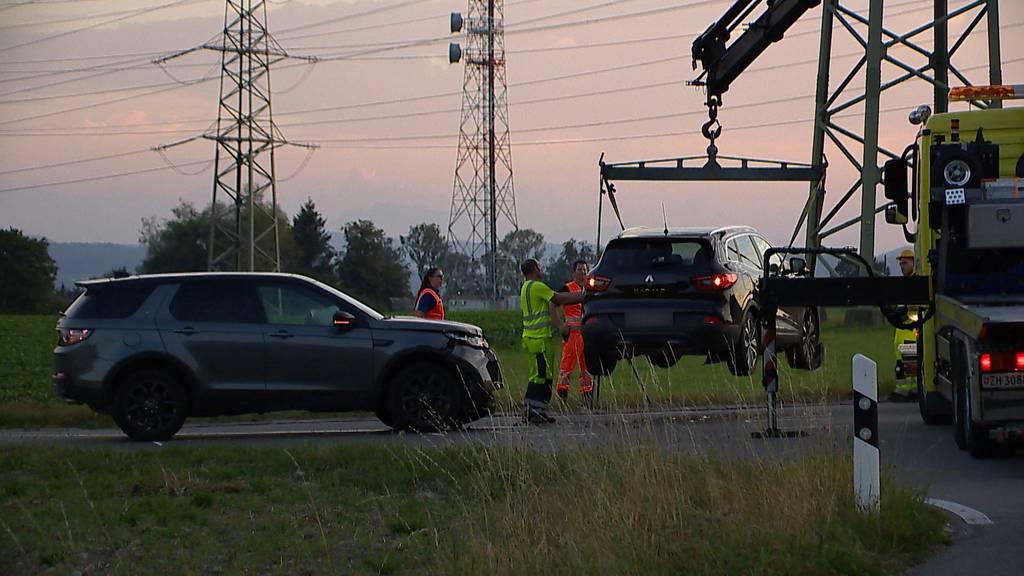 Nürensdorf ZH: Mehrere Verletzte bei Kollision zwischen zwei Autos