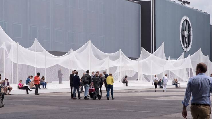 Das Gelände der Messe Basel ist neu gestaltet, speziell für die Art Basel.
