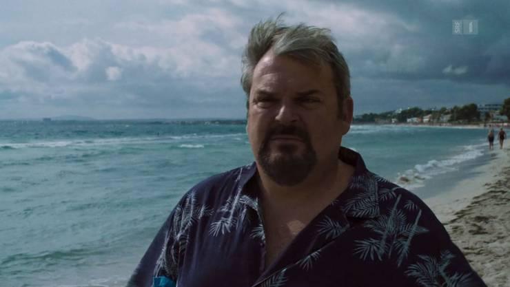 Luc Conrad am Strand nach seinem Abgang und dem Abspann. Eigentlich will er sich nun ausruhen ...