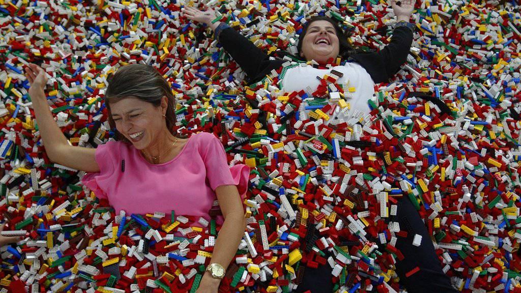Endlich ohne Kinder Lego spielen