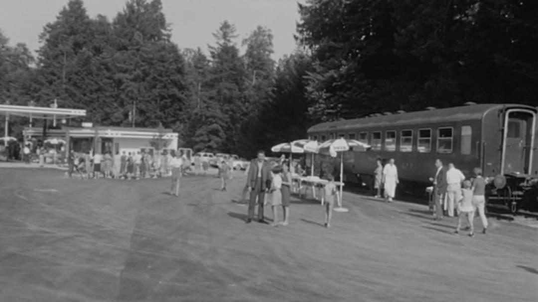 Als in Kölliken die erste Autobahntankstelle eröffnete – und warum daneben ein Bahnwagen stand