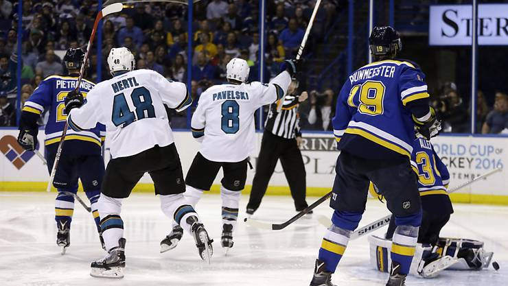 San Joses Joe Pavelski jubelt nach seinem Game-Winning-Goal in St. Louis