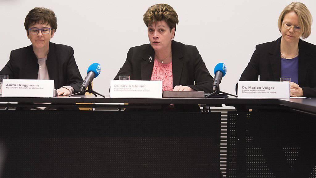 Regierungsrat oder Bildungsressort: Der Frauenanteil ist im öffentlichen Sektor mit 14 Prozent deutlich höher als in der Privatwirtschaft. (Symbolbild)