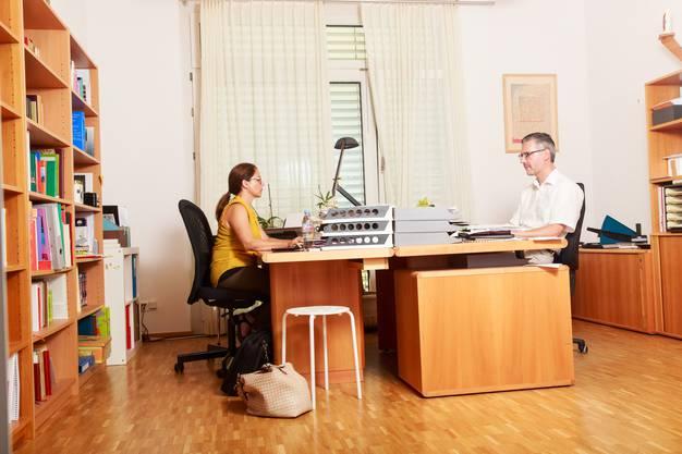 Manchmal arbeitet auch Sabine Stalder im Pfarrbüro, das direkt neben der Wohnung liegt. Sie betreut ehrenamtlich eine Mädchengruppe.