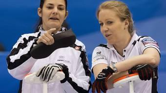 Warten auf die Aktion der Gegnerinnen: Binia Feltscher (links) und Irene Schori