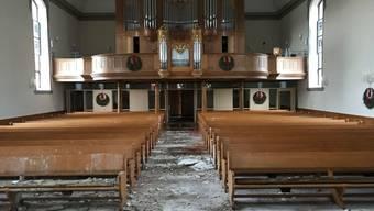 Die Fenster sind intakt, doch die 2400 Orgelpfeifen müssen wegen eines Wasserschadens ausgebaut werden: Die reformierte Kirche von Herzogenbuchsee war an Heiligabend in Brand geraten.