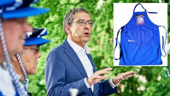 Am Dienstag reist Landammann Urs Hofmann mit der Aargauer Delegation nach Vevey. Das Erkennungs- und Gemeinschaftszeichen ist die blaue Winzerschürze.
