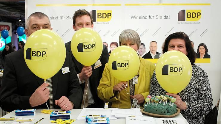 Die BDP ist als einzige Partei an der Muba präsent: Matthias Imhof, Filip Winzap, Marie-Therese Müller und Esther Meisinger (v. l. n. r.).