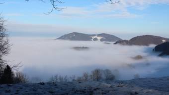 Die Barmelweid lag am Dienstag – wie die Salhöhe, von der aus dieses Bild gemacht wurde – über der Nebelgrenze.