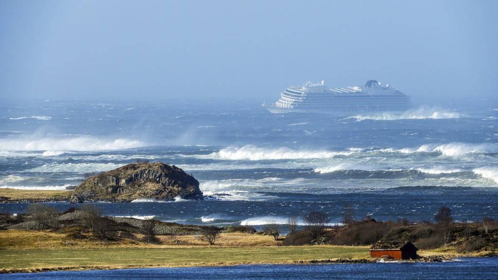 Drei Motoren der in Seenot geratenen «Viking Sky» laufen wieder