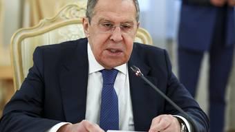 HANDOUT - Der russische Außenminister Sergej Lawrow spricht in Moskau. Foto: -/Russian Foreign Ministry Press Service/AP/dpa