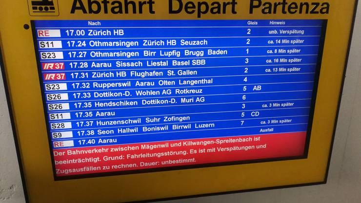 Noch eine Störung: Ausgerechnet zum Feierabend ist auch die Strecke zwischen Mägenwil und Killwangen-Spreitenbach beeinträchtigt.