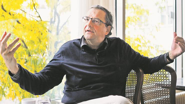 Leonhard Burckhardt im Café Huguenin: Der SP-Grossrat sagt, dass die LDP, die traditionelle Partei des Basler Daigs, ihren historischen Existenzgrund verloren hat.Kenneth Nars