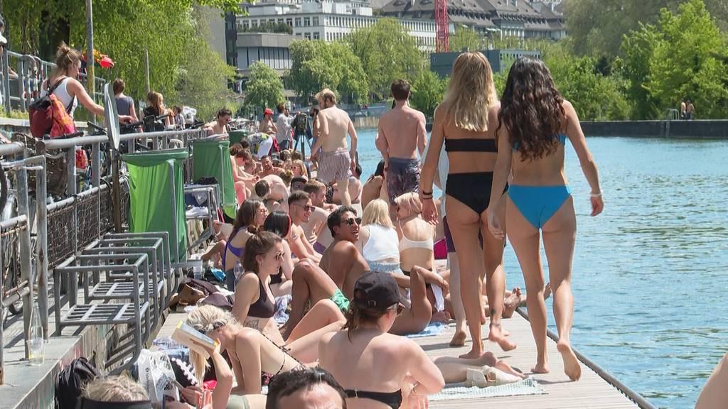 «Es ist wie Ferien!»: So geniessen Zürcher den ersten Sommertag
