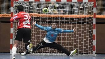 Goalie Marco Wyss (r.) wusste zu überzeugen: Im Spitzenkampf gegen Stans war Wyss das Zünglein an der Waage und sicherte dem STV Baden so den Sieg sowie den ersten Tabellenplatz.