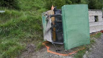 In Calfreisen GR ist ein 77-jähriger Lenker eines landwirtschaftlichen Motorkarrens auf einer Alp tödlich verunfallt.