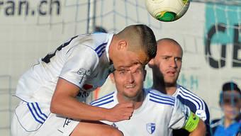 Das wollen alle sehen: kämpferische Wohler (Nenad Bjielic beim Kopfball gegen Vaduz).