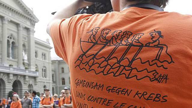 Teilnehmer fotografiert Solidaritätsaktion in Bern