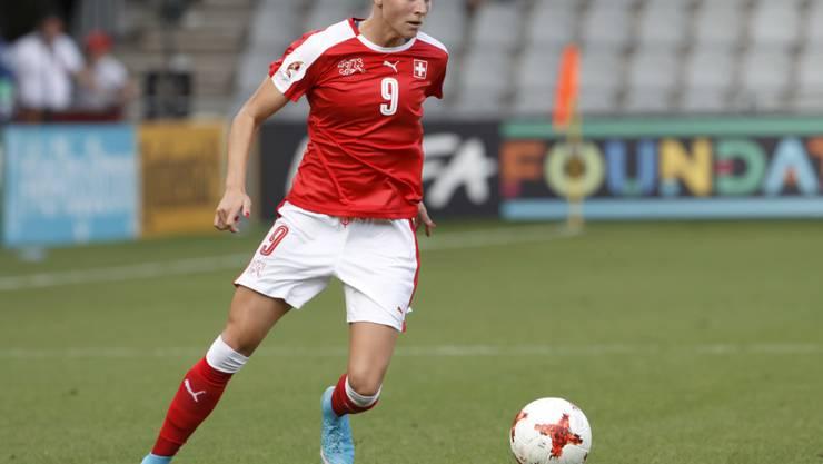 Ana Maria Crnogorcevic in Dress der Nationalmannschaft
