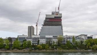 Der Roche-Turm ist nun 25 Stockwerke hoch