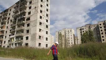 Vom Krieg zerstörte Häuser in der Hauptstadt Suchumi (Symbolbild)