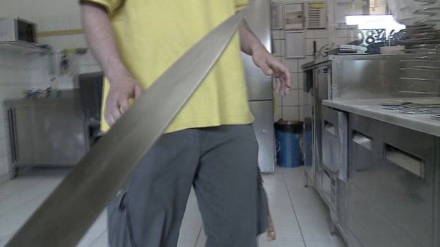 Korpulenter Mann überfällt Pizza-Laden