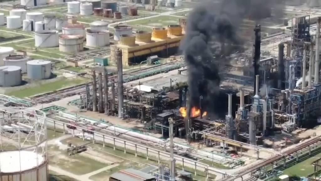 Feuer in Rumäniens grösster Ölraffinerie