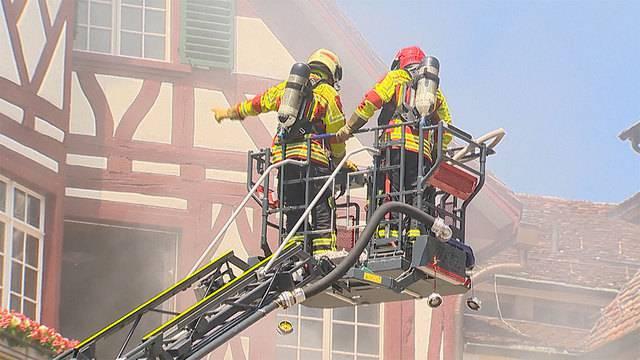 Brand in Steckborn TG: Feuerwehrmann bei Löscharbeiten verletzt