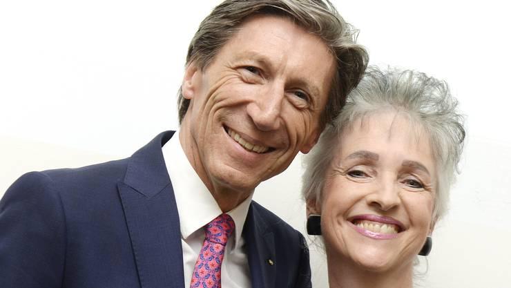 Die beiden Vertreter der Siegerpartei im Regierungsrat, Thomas Heiniger (links) und  Carmen Walker Späh (rechts) strahlen nach den Wahlen um die Wette.