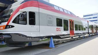 """Stadler Rail hat einen Auftrag aus Deutschland im Wert von rund 100 Millionen Euro über die Lieferung von 16 """"Flirt""""-Zügen erhalten. (Archiv)"""