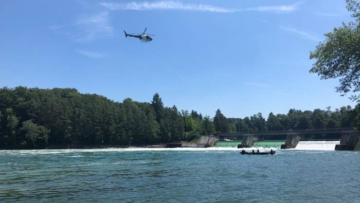 Rheinau ZH, 30. Juni: Seit Sonntagvormittag wird beim oberen Wehr in Rheinau ein 73-jähriger Schwimmer vermisst.