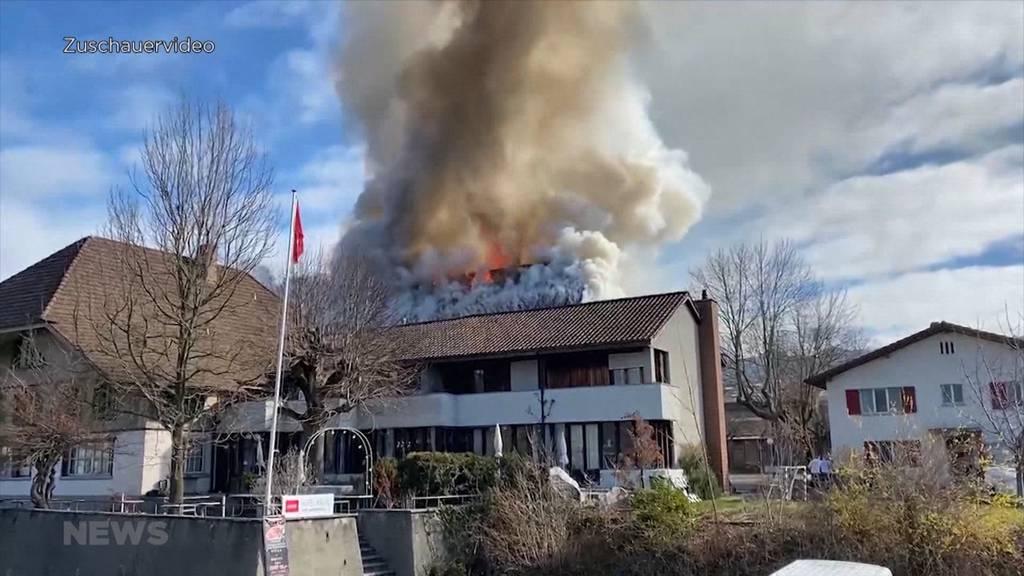 Leichenfund in Brandruine: Wohnbereich vom Restaurant Kreuz in Wichtrach niedergebrannt