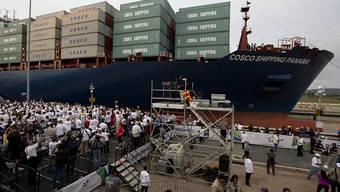 Die Mitgliedstaaten der Internationalen Seeschifffahrts-Organisation haben sich ein Klimaabkommen gegeben. Sie wollen den durch die Schifffahrt verursachten CO2-Ausstoss bis 2050 um die Hälfte verringern. (Archivbild)