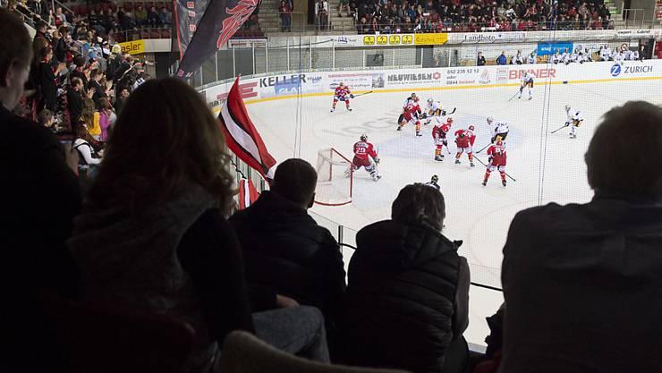Der EHC Winterthur reitet in der NLB weiter auf einer Erfolgswelle: Vor 1700 Zuschauern feiert er gegen Hockey Thurgau bereits den sechsten Sieg in Folge