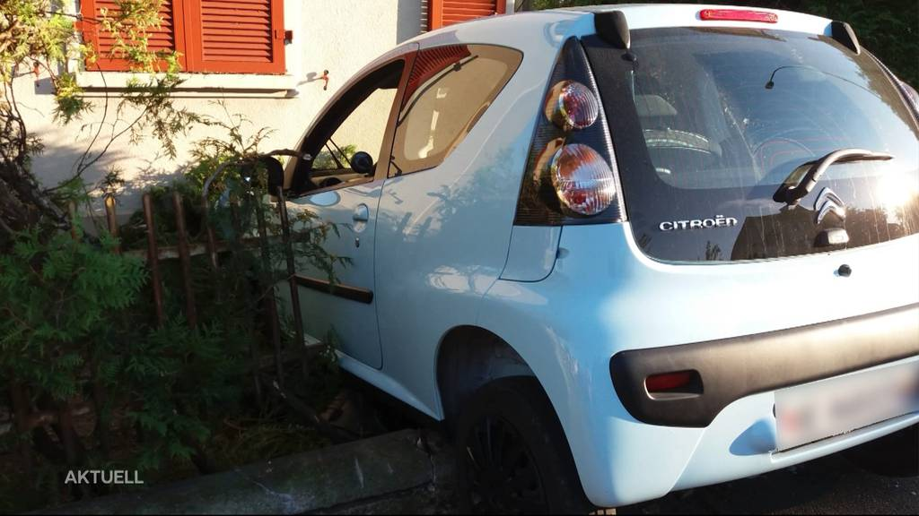 Autounfall in Bellach: Fahrzeug landet im Gartenzaun