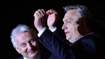 Viktor Orban feiert seinen Wahlsieg.
