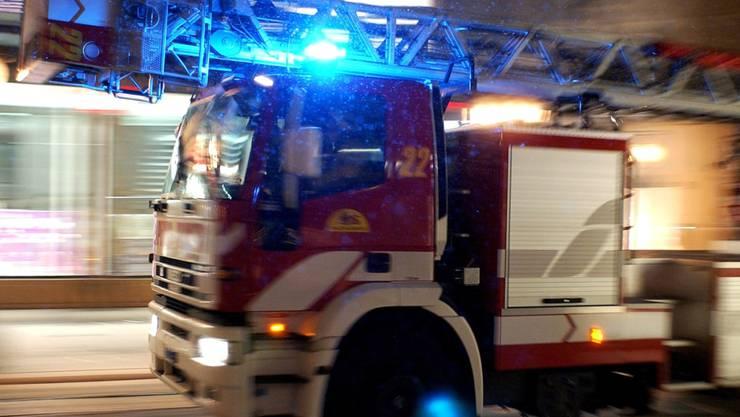 Die Feuerwehr musste in der Nacht auf Montag ausrücken. (Symbolbild)