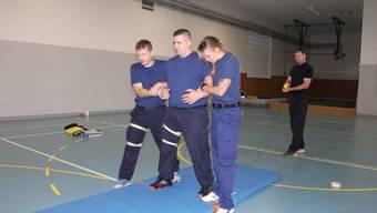 Grenchenr Polizei übt den Taser-Einsatz