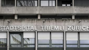 Das Pflegepersonal der Stadt Zürich darf sich leise Hoffnungen machen auf mehr Lohn und bessere Arbeitsbedingungen. (Archivbild)