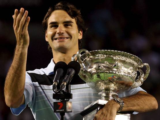 Australian Open 2007: Federer s. Gonzalez 7:6 (7:2), 6:4, 6:4 Als erster Spieler seit Björn Borg 1980 in Paris gewinnt Federer ein Grand-Slam-Turnier ohne Satzverlust. «Solche Rekorde zu egalisieren, ist immer etwas Schönes.» Dabei wird es im Final selber durchaus eng. Finalgegner Fernando Gonzalez kommt im ersten Satz zu Satzbällen, nutzt sie aber nicht. «Ich glaube, ich habe diese Situation gut gelöst», so Federer danach. Danach siegt er souverän. Es ist das bisher einzige Mal, dass Federer in Australien die Titelverteidigung gelingt, insgesamt ist es Federers zehnter Grand-Slam-Titel.