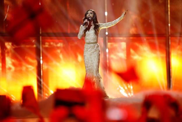 Österreichs Hoffnung Conchita Wurst erreicht das Final wie erwartet.