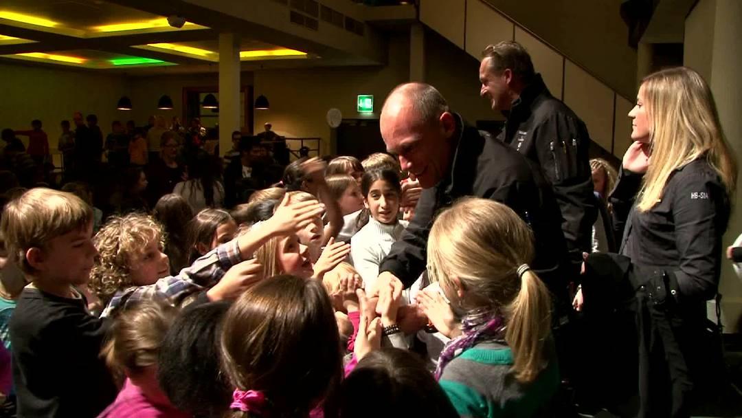 Bertrand Piccard ehrt kleine Klimaschützer