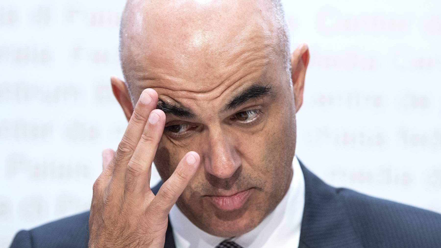 Alain Berset will zurück zur Containment-Strategie.