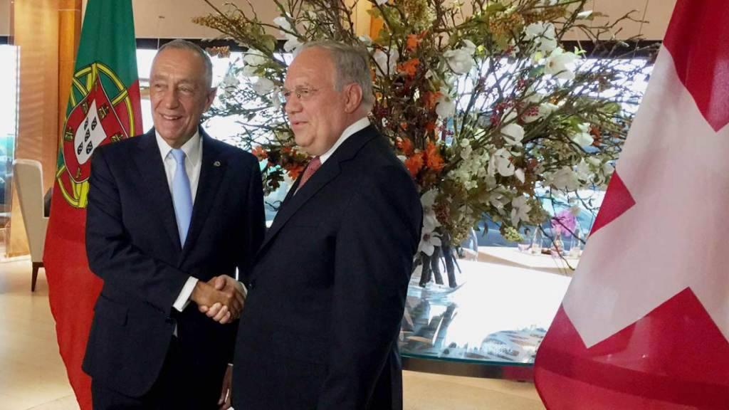 Bundespräsident Schneider-Ammann empfängt in Genf seinen portugiesischen Amtskollegen Rebelo de Sousa.