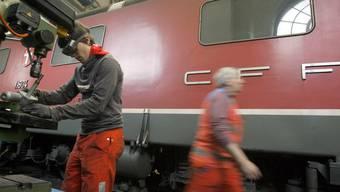 Mitarbeiter der SBB-Cargo-Werkstätte in Bellinzona.